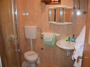 Apartman3-BATHROOM